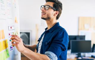Web Yazılım Uzmanı Nedir, Ne İş Yapar ve Ne Kadar Maaş Alır?